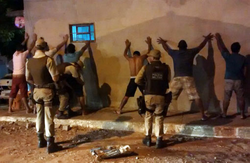 Brumado  Polícia Militar vai às ruas e mantém rondas ostensivas pela cidade 0d076a5772