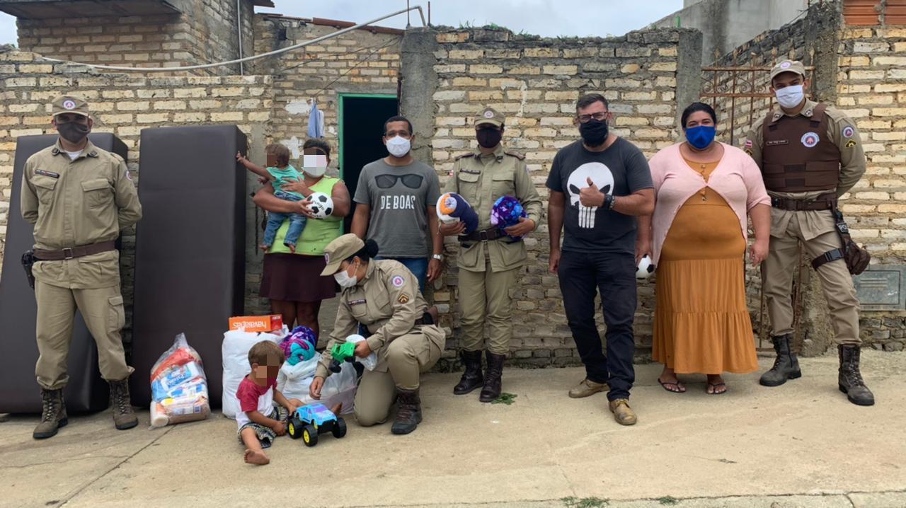 Conquista: Família recebe presentes da Patrulha Solidária da PM