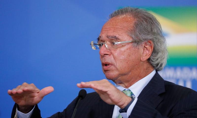 Paulo Guedes diz que recuo na economia será menor que o esperado