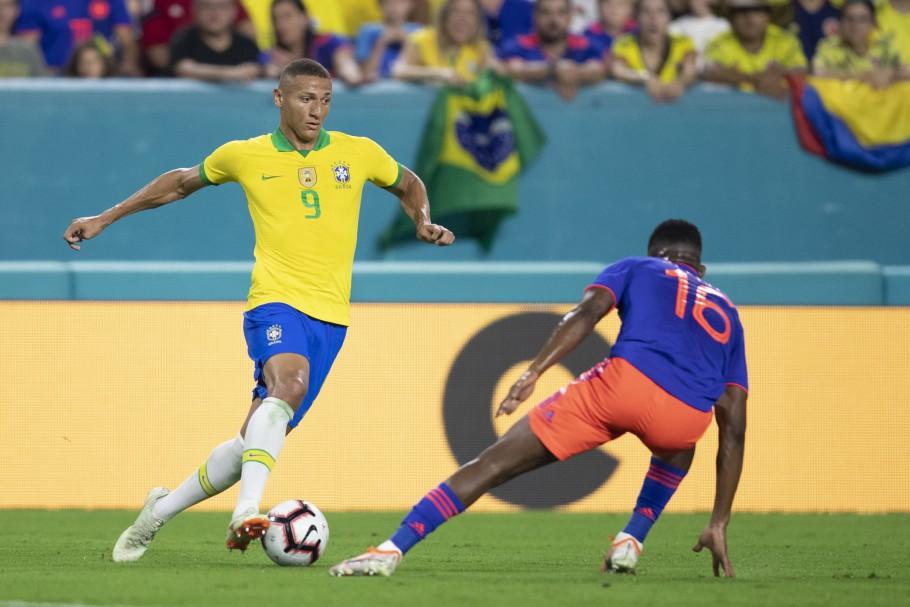 Brasil enfrenta a Colômbia pela Copa América