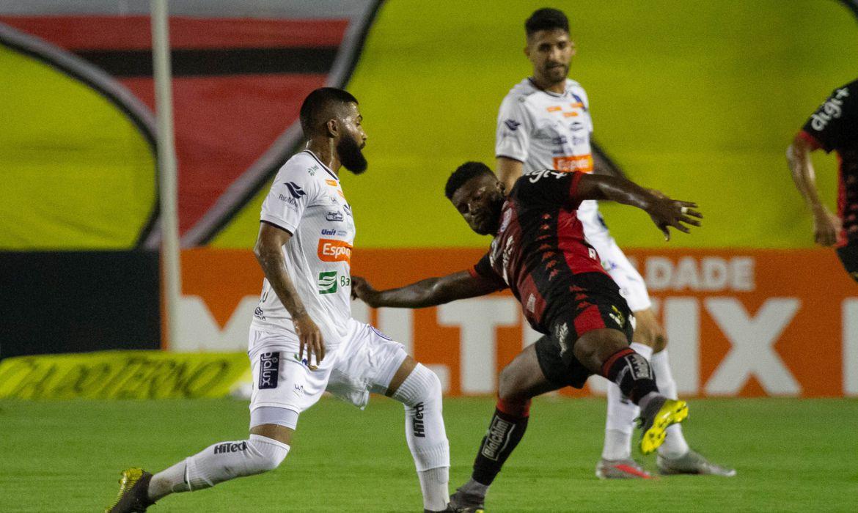 Confiança supera Vitória por 3 a 2 na Série B