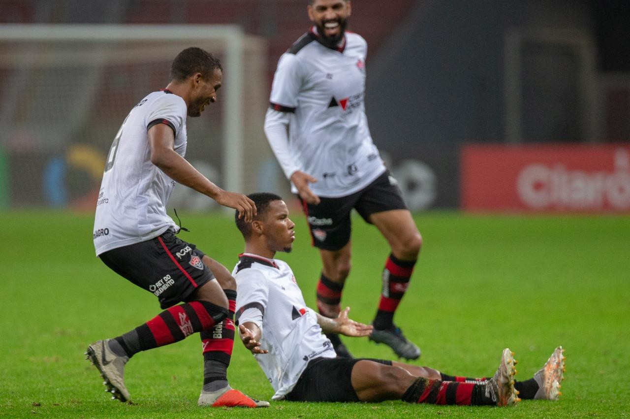 Vitória vence o Internacional por 3x1 na Beira-Rio e se classifica para as oitavas da Copa do Brasil