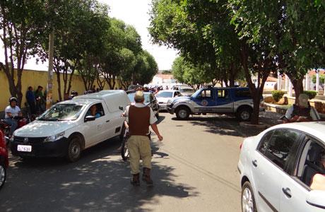 POLÍCIA MILITAR REALIZOU BLITZ EM BRUMADO