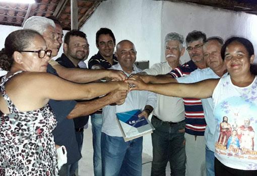 Deputado Erivelton Santana traz benefícios para associações rurais de Brumado
