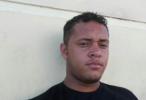 Jovem brumadense morre ao colidir carro contra animal na BA-262