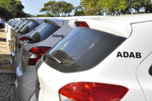 Escritório regional da ADAB em Brumado recebe veículo para defesa agropecuária