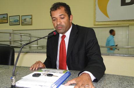 ZÉ RIBEIRO: REBATE CRÍTICAS DE EDUARDO