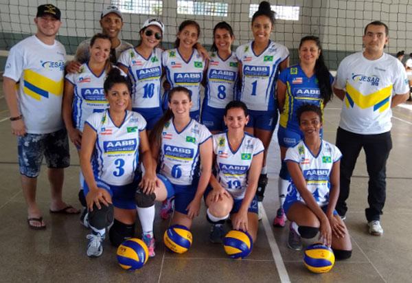 JESAB: Equipes de Vôlei de quadra e de areia feminino da AABB Brumado são campeãs estaduais em Ilhéus