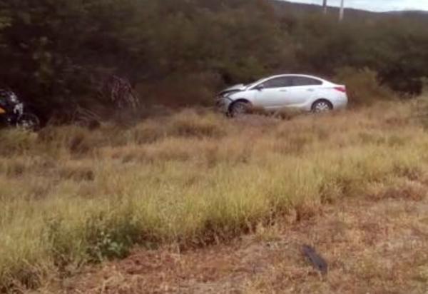 Motociclista morre após colisão contra carro no trecho entre Brumado e Aracatu