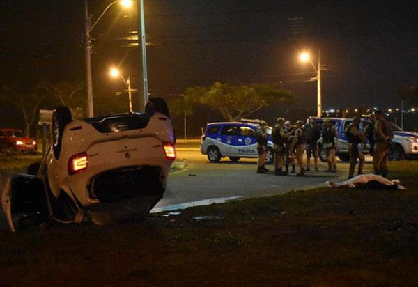 Conquista: homem é preso após capotar carro e matar jovem de 18 anos; segundo a polícia ele estava embriagado