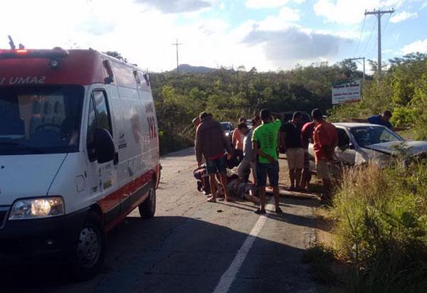 Motorista perde controle da direção e carro capota na BA-148, entre Livramento e Rio de Contas