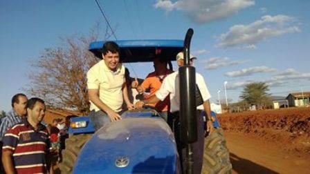 Associações rurais são contempladas com maquinário agrícola; fruto do trabalho do vereador Agno Meira