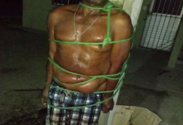 Bahia: após agredir companheira, homem é amarrado em poste por vizinhos