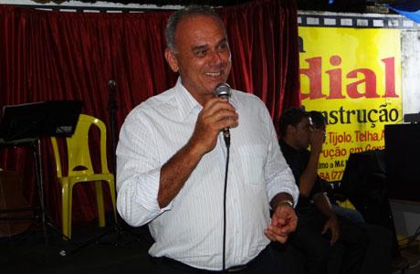 Brumado: Aguiberto deseja Boas Festas à população brumadense