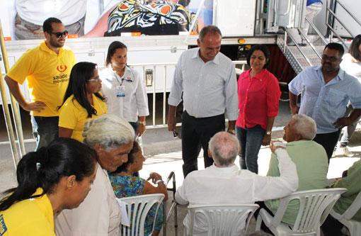 Brumado: Prefeito Aguiberto acompanha início das atividades do 'Saúde em Movimento'