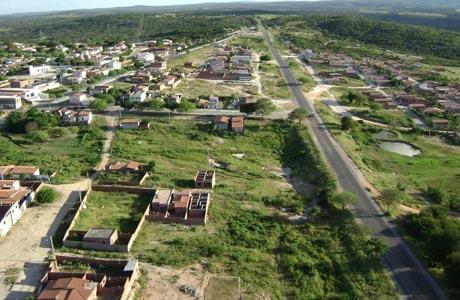 ARACATU: FARMÁCIA DO PAI DO PREFEITO É ASSALTADA