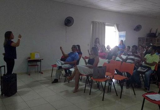 Aracatu: Secretaria de Educação realiza reunião para apresentação do NAPE