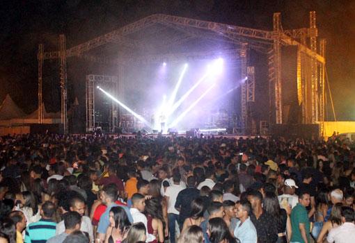 Arena Safadão em Brumado foi um sucesso; Wesley Safadão fez mais de 2 horas de show