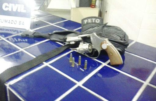 Brumado: Homem que agredia mulher foi preso com revólver