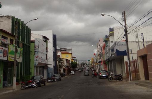 Brumado: Bandidos arrombam loja de informática e roubam o cofre, máquinas fotográficas e notebooks