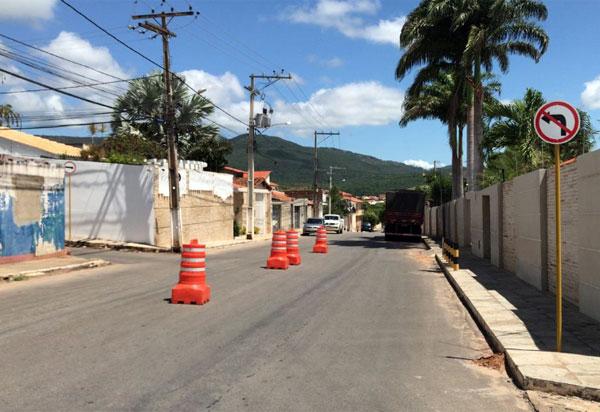 Brumado: após registros de incidentes,SMTTrealiza alteração de sentido de via na Rua Hermes Santos