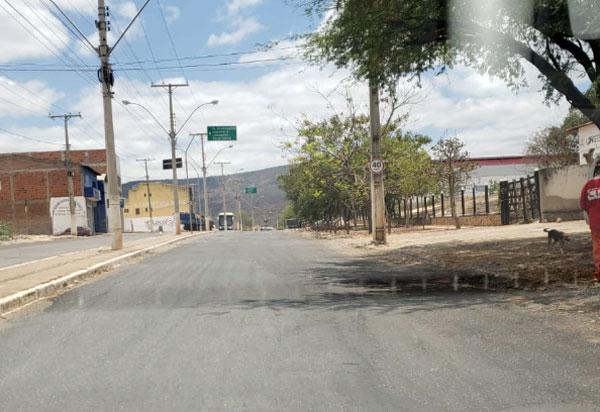 Brumado: trecho da Avenida Lindolfo Azevedo Brito passou por operação tapa-buraco