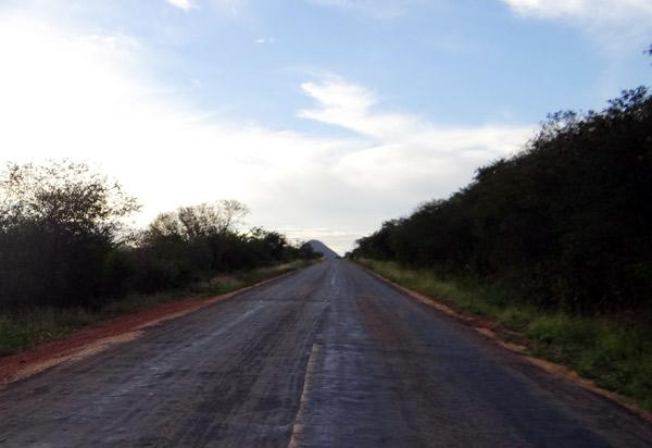 Chuvas: condutores de veículos devem redobrar a atenção na BA-142 na região Tanhaçu/Ituaçu