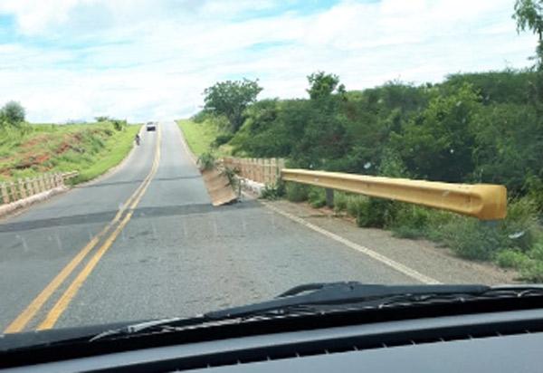 Dom Basílio: condutores de veículos devem redobrar atenção em ponte situada na BA-148, região da Caiçara da Barra
