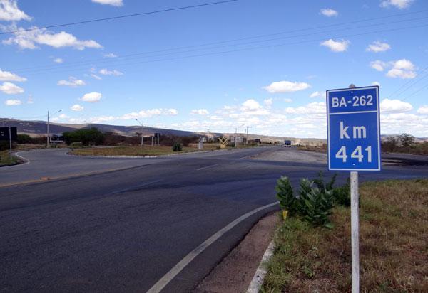 Brumado: Beto Bonelly questiona radar e cobra sinalização na rotatória da BA-262 com a BR-030