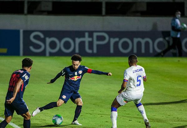 Futebol: Bragantino goleia Bahia por 4x0