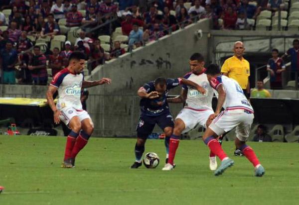 Copa do Nordeste: Bahia leva gol no fim e fica no empate na Arena Castelão