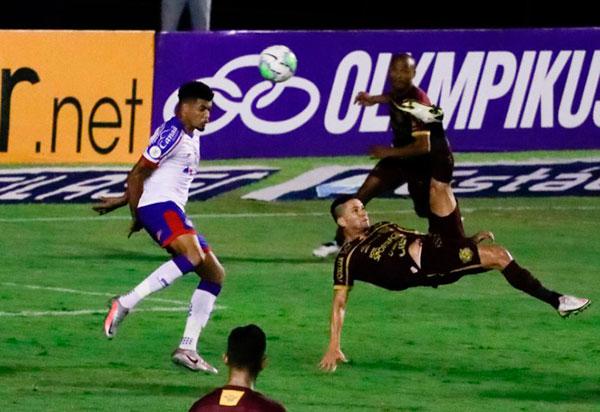 Bahia perde para o Sport e volta à zona de rebaixamento