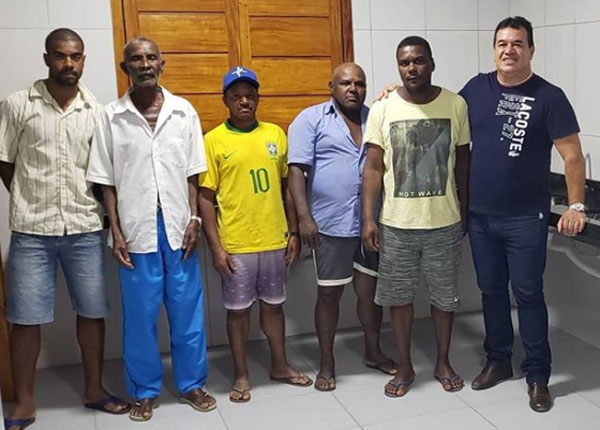 Barra da Estiva: Deputado Marquinho Viana visita a comunidade quilombola Camulengo