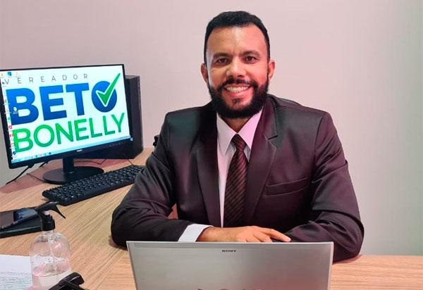 Brumado: Vereador Beto Bonelly apresenta Requerimentos e Indicações aprovados na última sessão do Legislativo