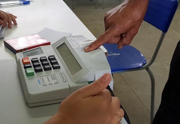 Eleições 2020: 800 mil eleitores baianos poderão votar sem o cadastro biométrico