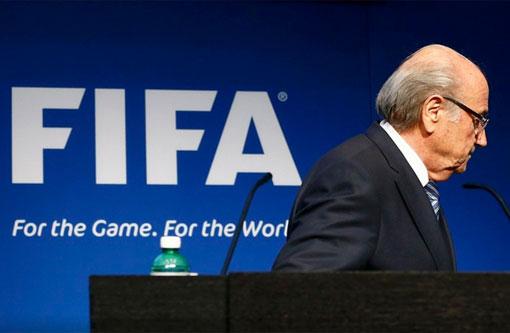 Blatter decide deixar presidência da Fifa e convoca novas eleições