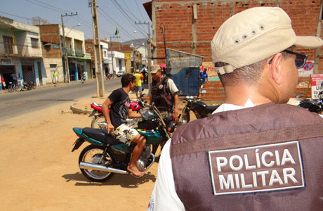 BRUMADO: POLÍCIA MILITAR CONTINUA REALIZANDO BLITZ