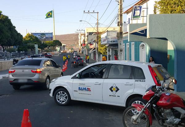 Justiça da Bahia proíbe apreensão de veículos com IPVA atrasado