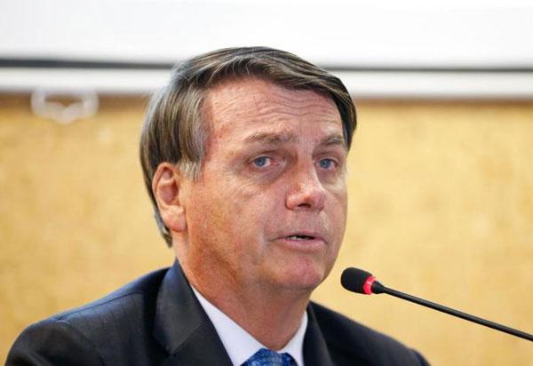 Covid-19: Presidente Jair Bolsonaro diz que vacinação não vai ser obrigatória e ponto final