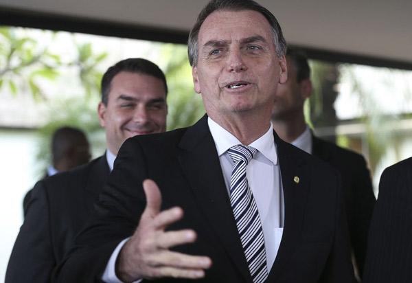 Jair Bolsonaro diz que Trabalho vai manter status de ministério; anteriormente ele havia dito que pasta perderia status e seria incorporada a outro ministério