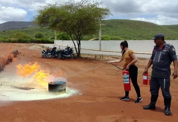 Brumado: Funcionários  do SAC foram capacitados para primeiros socorros e combate à incêndio