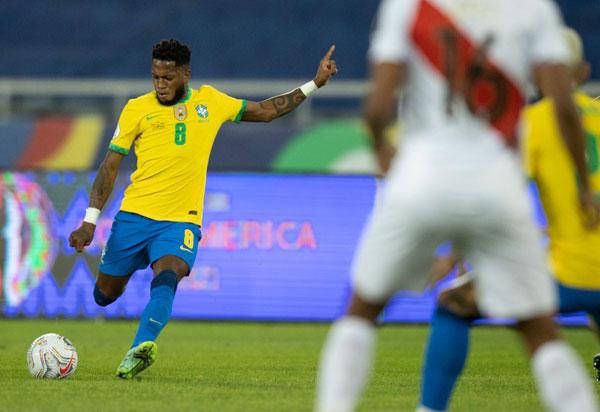 Brasil e Peru duelam por vaga na final da Copa América