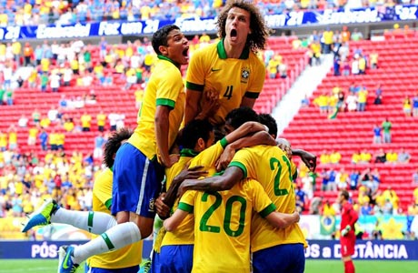Futebol: No reencontro com Brasília, Seleção goleia Austrália