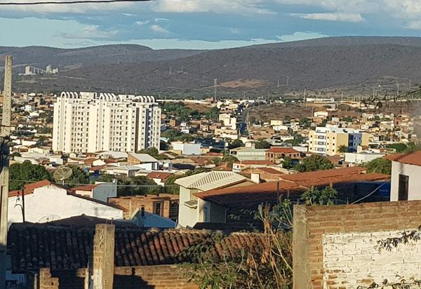 Brumado e outras 216 cidades da Bahia tem água contaminada por agrotóxicos, segundo estudo da Sisagua
