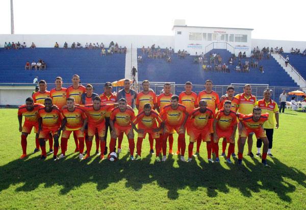 Futebol: Brumado vence Paratinga por 2x0 na estreia no Campeonato Intermunicipal