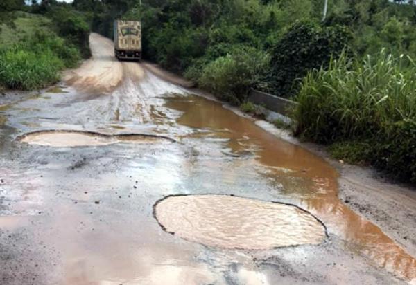 Ituaçu/Barra da Estiva: Moradores da região alertam para o risco de tráfego na BA-142, há muitos buracos na ponte do Lajedo