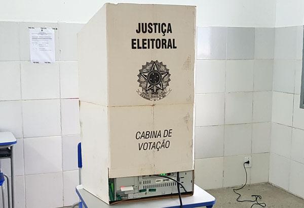 Deputados aprovam em 1º turno texto-base da PEC que adia as eleições municipais