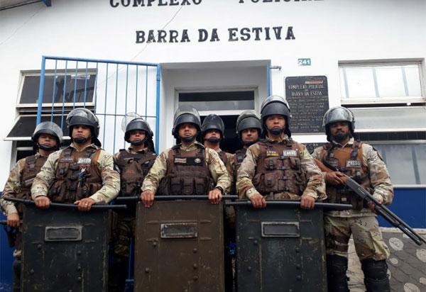 Polícias Civil e Militar controlam inicio de rebelião de presos na delegacia de Barra da Estiva
