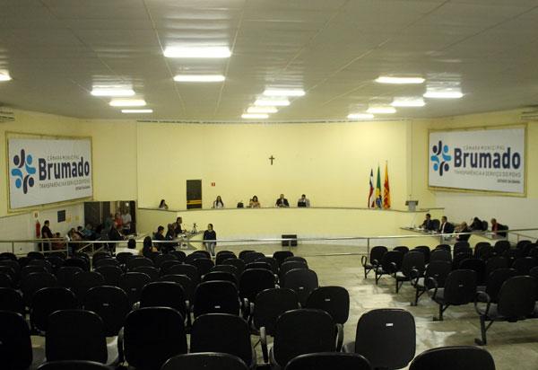 Saúde e Infraestrutura mobilizaram embates entre situação e oposição no Legislativo de Brumado