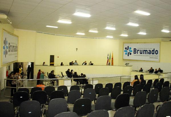 Qualidade das obras e Central de Marcação são o mote de novo o embate entre situação e oposição no Legislativo de Brumado